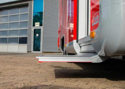 Easy-Entry mit einer Bodenhöhe von ca. 42cm bis zum Innenraum